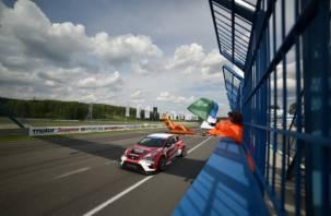 На Смоленском кольце завершился второй этап кольцевых гонок. Фоторепортаж