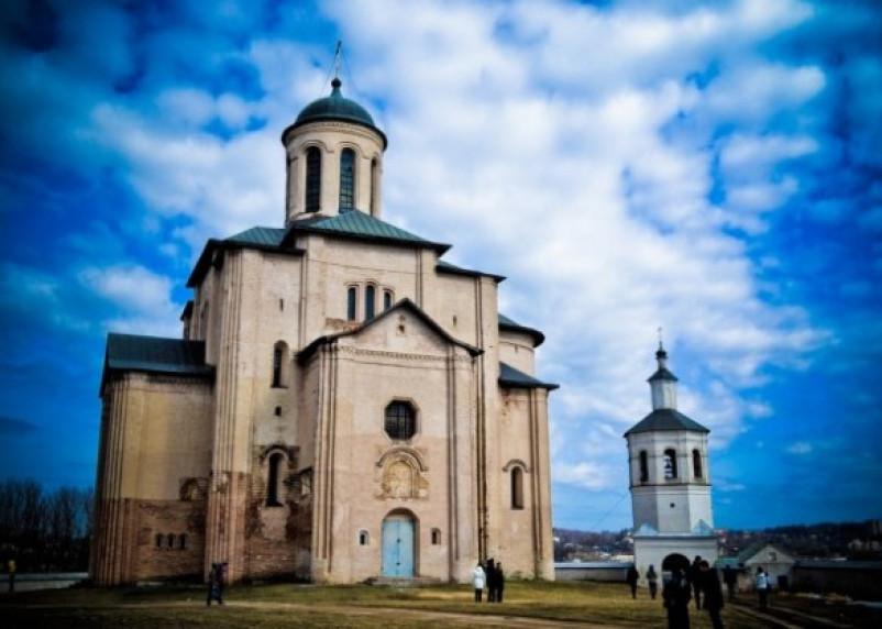 Новая книга описывает историю церкви архангела Михаила в Смоленске