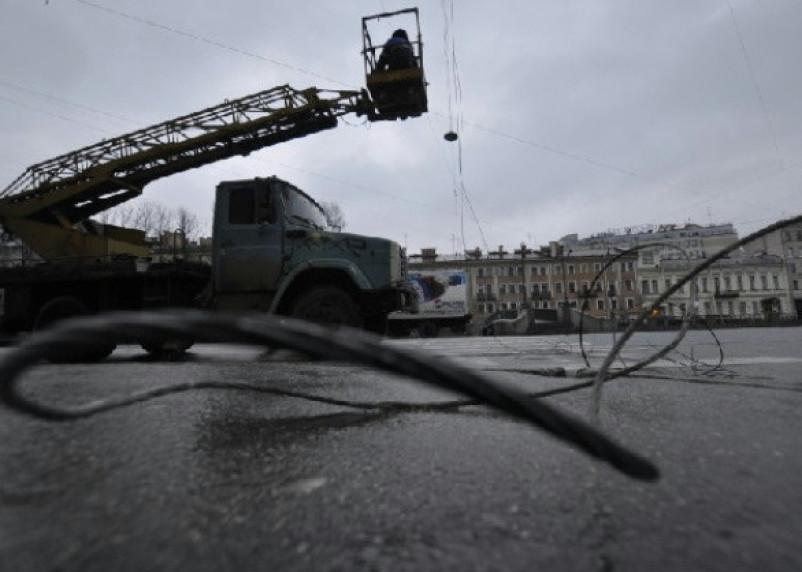 Из-за сильного ветра в Смоленской области возможны сбои в энергоснабжении