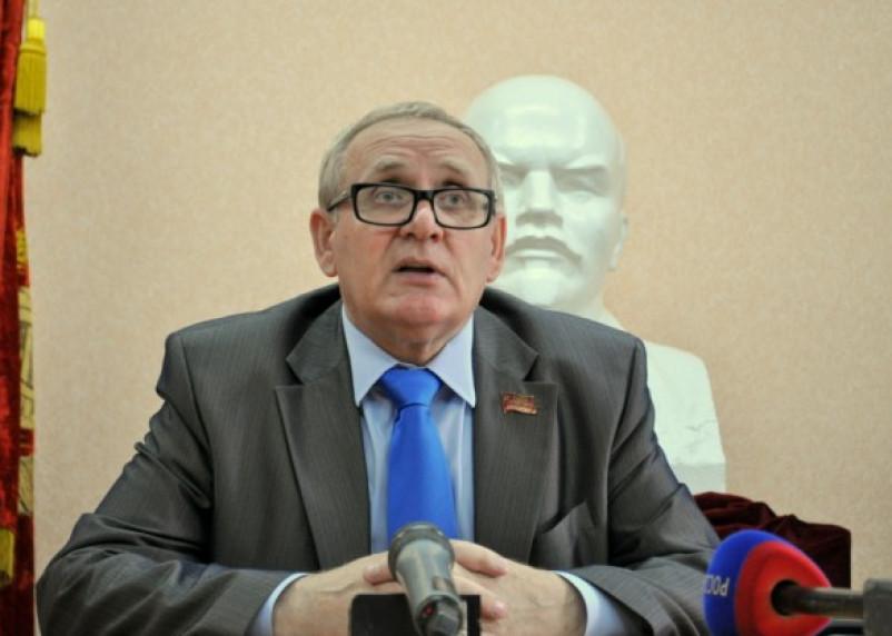 Уходя — уходи.  Коммунист Кузнецов вышел из коалиционной администрации Островского