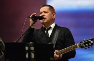В Смоленске выступили Дина Гарипова, Руслан Алехно и группа «Любэ». Фоторепортаж