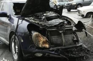 В Смоленском районе горел Porsche Cayenne