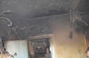 В Смоленске в горящей квартире погибла женщина