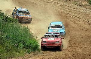 На смоленской трассе «Уварово» прошли автогонки