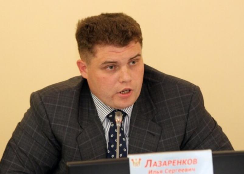Связь между ударом о дверной косяк Виноградова и криком Лазаренкова установлена?
