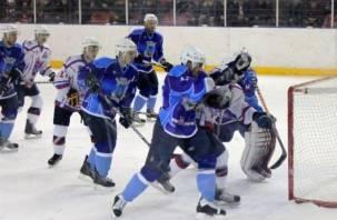 В Смоленске проходят соревнования по хоккею