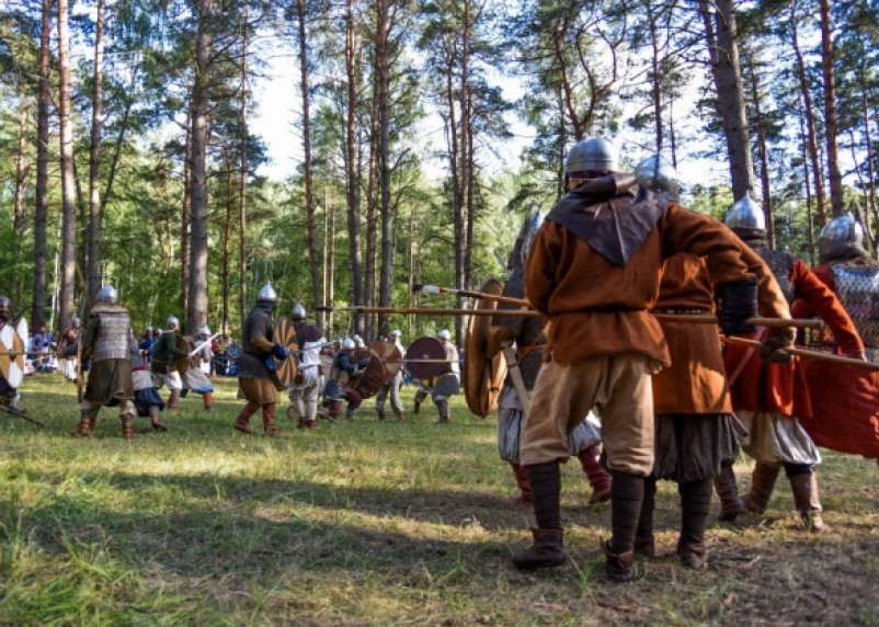 В Смоленске воссоздали сражения эпохи викингов