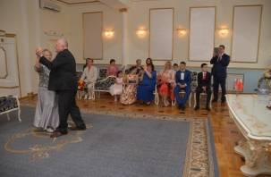 В июле почти полтысячи смолян заключили браки