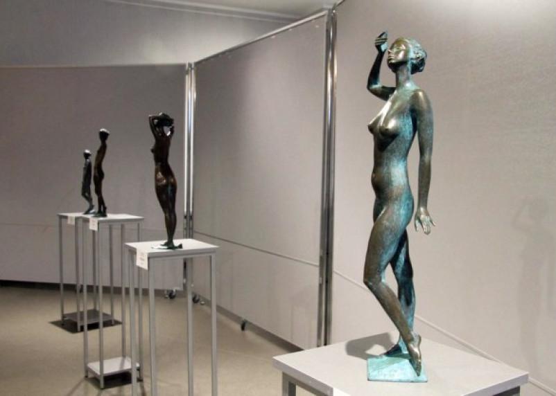В Смоленске работает выставка эротической скульптуры. Фоторепортаж