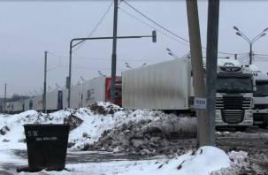 Фуры, остановленные под Смоленском и на украинской границе, возвращаются домой