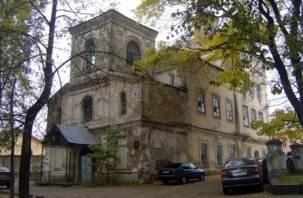 Губернатор Островский рассердился на городских чиновников из-за дома-церкви