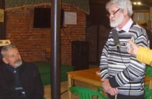 В Смоленске прошла художественная выставка писателя Александра Крячуна