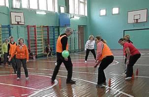 В Смоленске учителя физкультуры показали мастер-класс