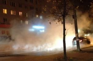 В Смоленске опять прорвало трубопровод на Соколовского
