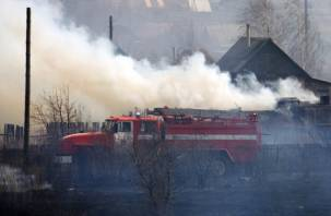 Смолянин едва не сгорел в собственном доме