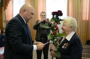 Смоленской партизанке вручили медаль «За отвагу»