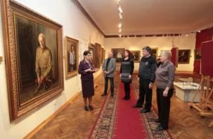 Выставка «Они сражались за Родину» завершилась в Смоленске