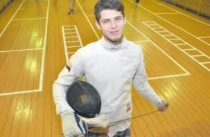 Студент смоленского вуза попал в десятку лучших рапиристов мира