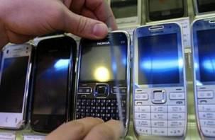 Директор магазина сотовой связи воровал мобильники у себя на работе