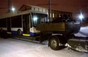 Подведены итоги опытной эксплуатации бесконтактного троллейбуса в Смоленске