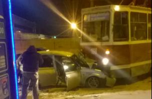 В Смоленске заведено уголовное дело по факту смертельного ДТП с трамваем