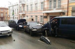 На Большой Советской произошло ДТП с участием трех авто