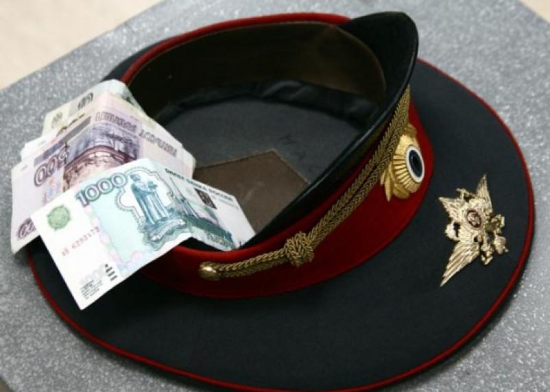 Двое полицейских из Смоленской области попались на взятке