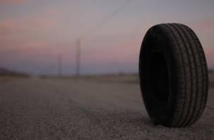 Жительницу Смоленска чуть не убило колесом, отлетевшим от «Газели»