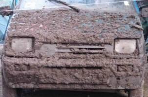 Более 200 водителей из Смоленской области заплатят штраф за «грязный знак»