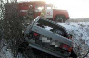 В Смоленском районе автомобиль опрокинулся в кювет