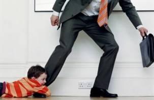 Смолянин, задолжавший более миллиона рублей по алиментам, отдал ребенку квартиру