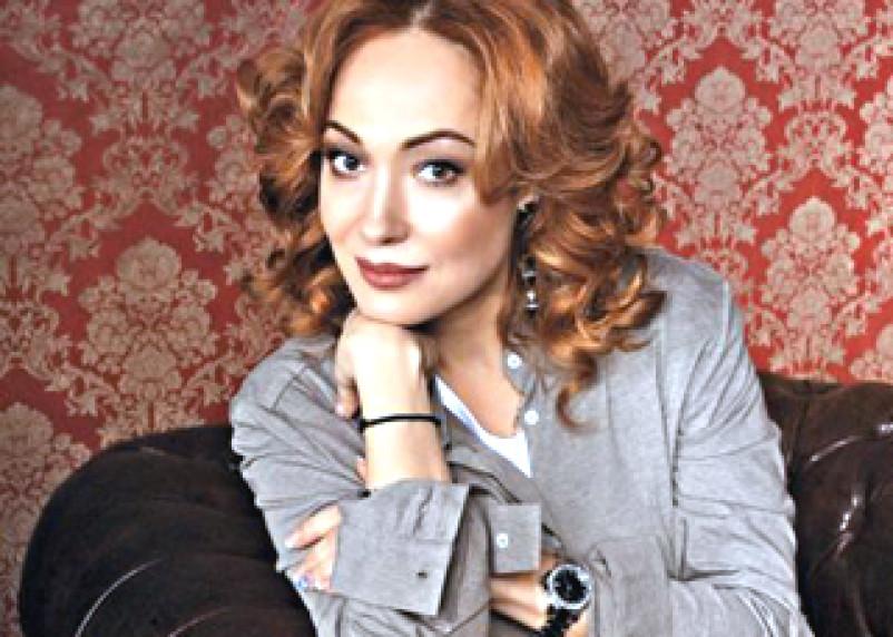 Известная актриса-смолянка Виктория Тарасова будет помогать вяземским малоимущим