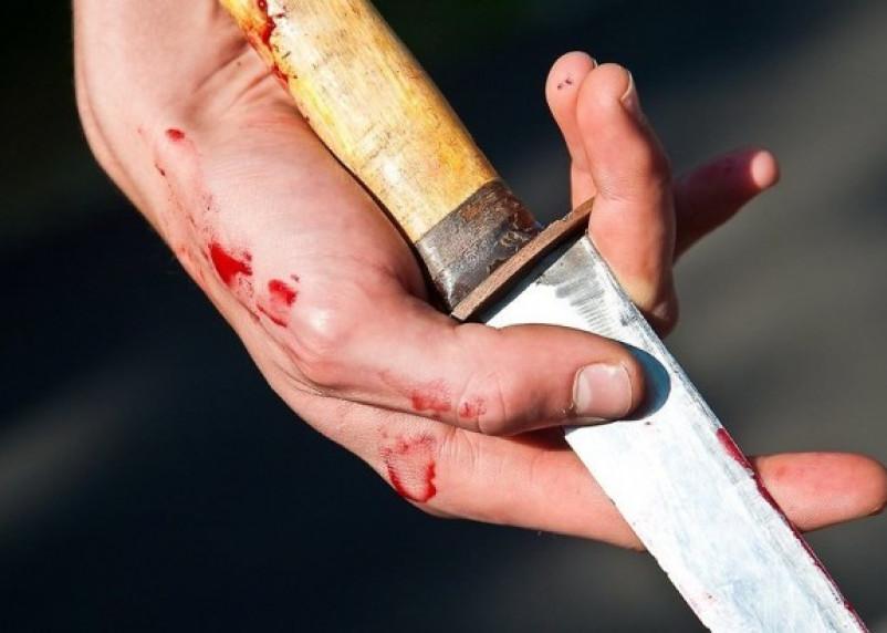 В Смоленске пьяный молодой человек напал с ножом на старшего брата