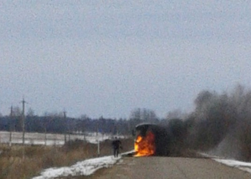 В Сафоновском районе на ходу загорелся автобус, полный людей
