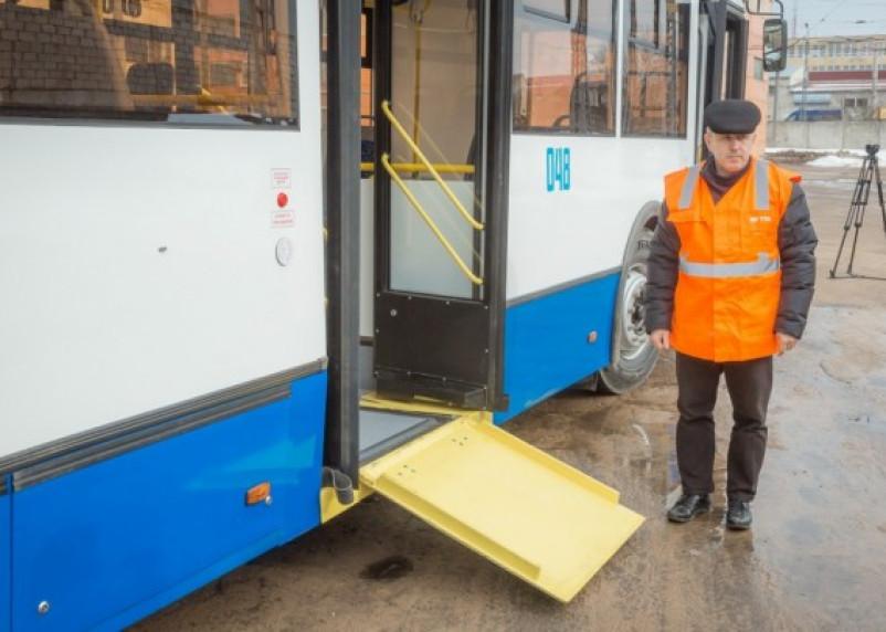 Новый низкопольный автобус появился в Смоленске