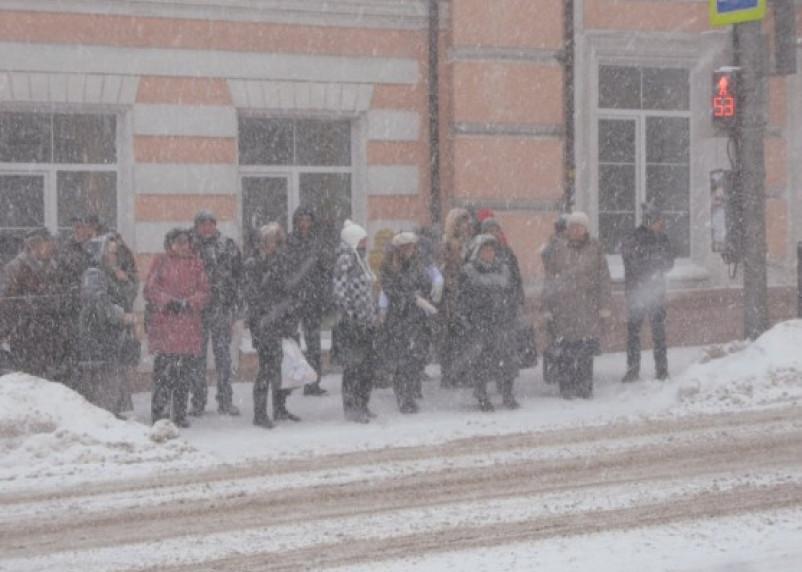 Смоленская область остается во власти снежной стихии