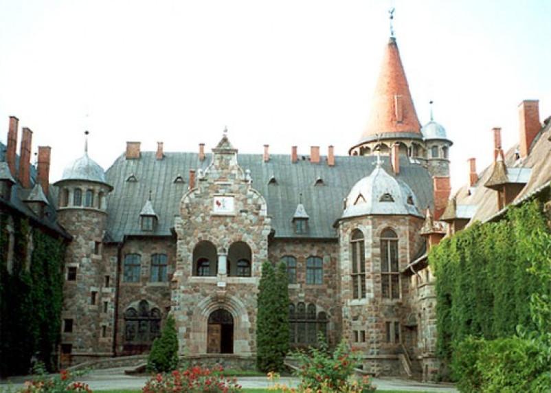 Смолян приглашают визуально посетить замки в Латвии