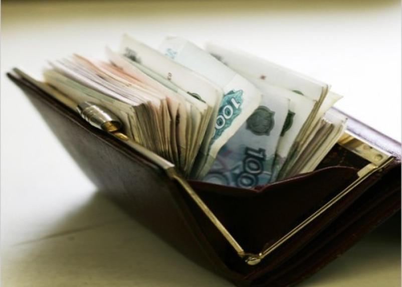Брянец похитил в администрации Починковского района деньги и телефон