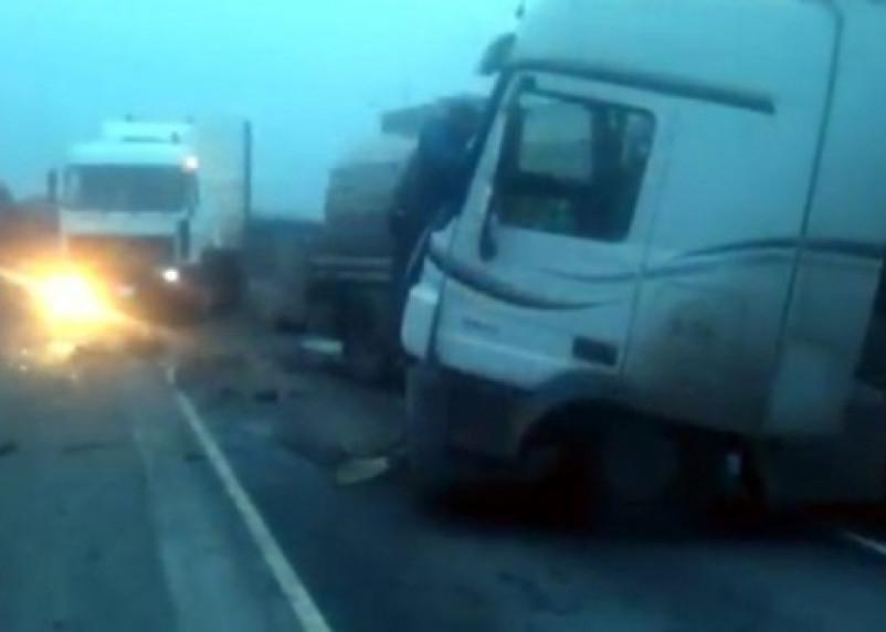 Водитель из Смоленской области заснул за рулем и врезался в грузовик