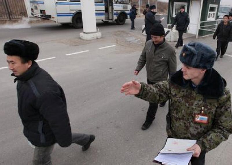 Из Смоленска депортировали пятерых иностранцев