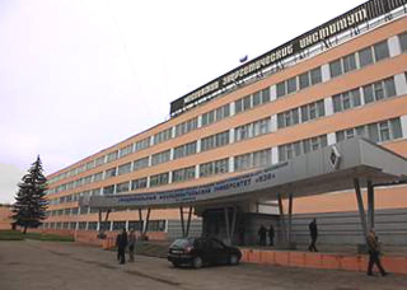 В Смоленске открылась выставка научно-технического творчества молодежи