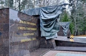 Смоленский бизнесмен отсудил 1,3 млн рублей за бюсты партизан