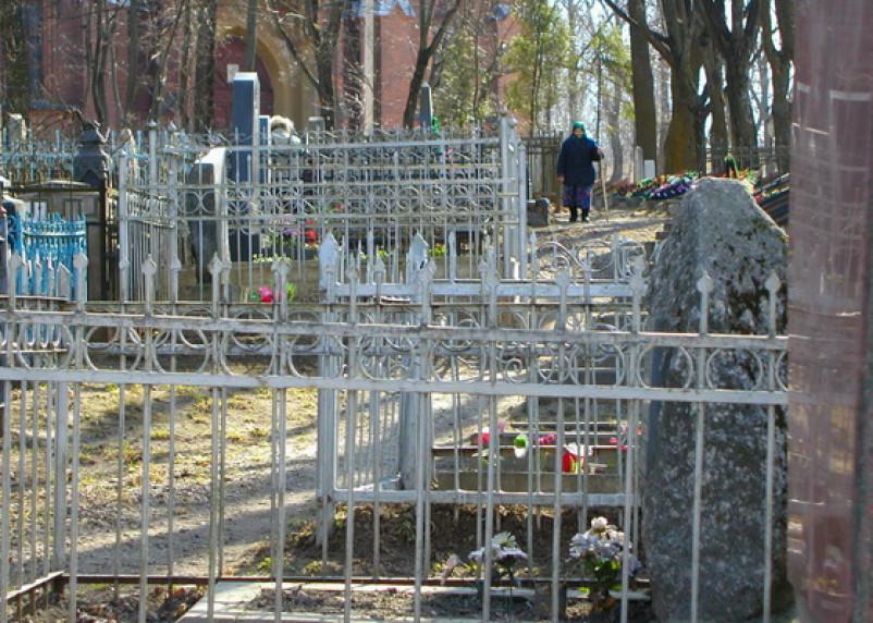 Администрация Смоленска отобрала баню у похоронной службы