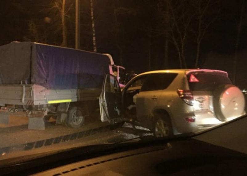 Из-за автоледи на «Газели» в Смоленске произошло серьезное ДТП
