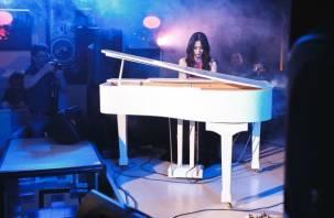В Смоленске выступит известная пианистка Вики Ли