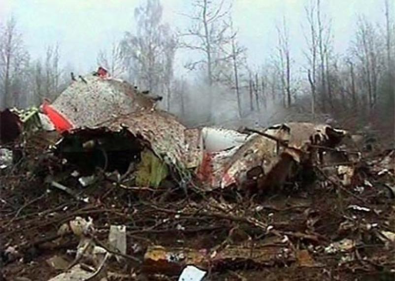 Польша обвинила Россию в замене тел погибших в авиакатастрофе под Смоленском