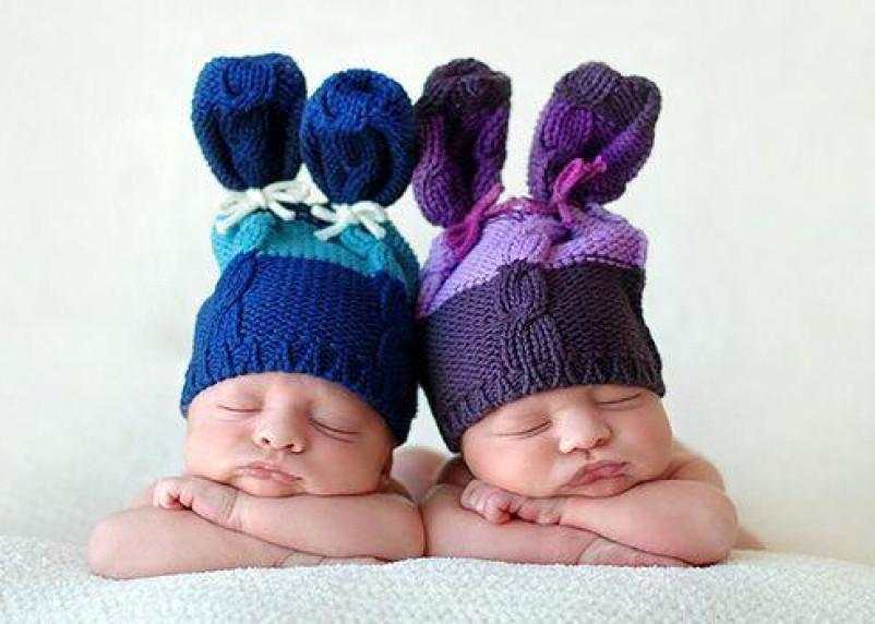 В марте в Смоленске родились пять пар двойняшек