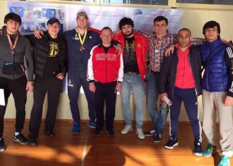 Смоленские борцы привезли из Витебска пять наград