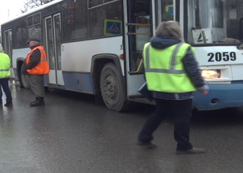 В Смоленске троллейбус сбил пешехода