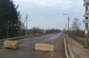 В Велиже утонул рабочий, строящий мост